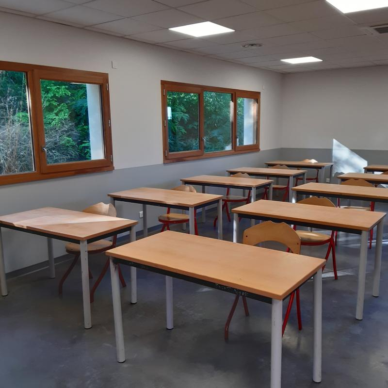"Federaly | Livraison : ""Salle de classe"" à Bourgoin Jallieu (38)"